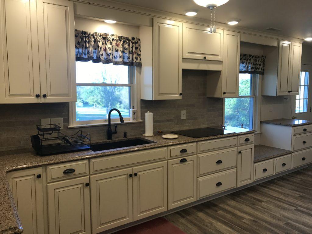 Berryville Farm House Kitchen Best Kitchen Cabinets